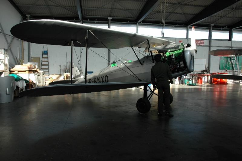 Les portes du hangar vont enfin laisser rentrer les rayons du soleil